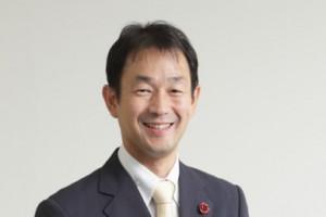 サポートドア行政書士法人スタッフ紹介。税理士・行政書士 内田誠