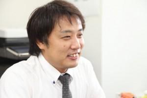 サポートドア行政書士法人スタッフ紹介。業務部 吉崎正典