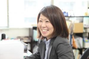 サポートドア行政書士法人スタッフ紹介。行政書士 内山 綾子